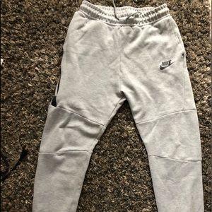 Grey Nike Joggers Boys XL